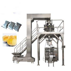 Máy đóng gói bánh là thiết bị làm tăng sự thẩm mỹ, chất lượng, an toàn vệ sinh thực phẩm,... cho người tiêu dùng. Thiết bị có thể đóng gói nhiều kiểu bánh khác nhau bánh cốm, socola, mỳ gói, snack,.... nó là thiết bị đáng cho bạn đầu tư và sử dụng. Là loại máy chuyên dùng trong công nghiệp đóng gói. Bánh được tạo ra vớ nhiều hình dạng, kích thước, đảm bảo mang đến sản phẩm tốt nhất đến tay người tiêu dùng. Có rất nhiều loại máy khác nhau hiện nay với các cách đón gói cũng khác nhau. Nhưng kết quả cuối cùng cũng là tạo ra sản phẩm chất lượng cho khách hàng. Vậy có bao nhiêu cách đóng gói bánh? Nếu bạn còn tò mò về thiết bị, hãy cũng theo chân Máy đóng gói An Thành tìm hiểu các chiếc máy đóng gói có điểm gì khác nhau nhé! Máy đóng gói bánh nằm ngang: Sản phẩm sau khi hoàn thành các khâu sản xuất, sẽ theo dòng chảy trên băng chuyền đi đến khâu cuối cùng để được đóng gói, sắp xếp và vận chuyển đến cho khách hàng Đối với máy đóng gói bánh nằm ngang này còn có thể đóng gói nhiều sản phẩm khác: mỳ gói, bánh cốm, socola, khoai tây chiên, bánh quy,.... Chỉ cần thay đổi linh kiện, phương thức điều khiển, vận hành,... sẽ cho bạn chiếc máy khác để đóng gói Máy đóng gói bánh nằm ngang Những đặc điểm chính: Điều khiển ba động cơ servo Giao diện trực điện, chương trình PLC thông minh cho bạn có thể dễ dàng vận hành Lưu giữ dữ liệu đóng gói 10 sản phẩm trên màn hình cảm ứng. Giá đỡ phim với thiết bị định tâm tự động Túi có thể điều chỉnh trước đây Máy hàn cuối loại Box Motion với niêm phong kín Nạp phim dưới cùng Cấu trúc hình thành máy đóng gói bánh nằm ngang: 1. Conveyor: Băng tải 2. Adjustable bag former: Túi có thể điều chỉnh trước đây 3. Safety cover: Nắp an toàn 4. Touch screen: Màn hình cảm ứng 5. Film holder: Giá đỡ phim 6. Center sealer: Máy đóng dấu trung tâm 7. End sealer: Máy đóng dấu cuối 8. Discharge machine: Máy xả Máy đóng gói bánh - Sản phẩm được bảo quản và mẫu mã đa dạng hơn Thông số kỹ thuật về máy: Tình trạng: Mới Loại bao bì: Túi, Phim, Giấy bạc Vật liệu đóng 